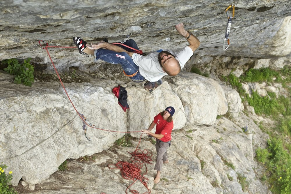 Marcus and his Coronas (belayed by Stefan Glowacz) on Nightmare 8b+..., 187 kb