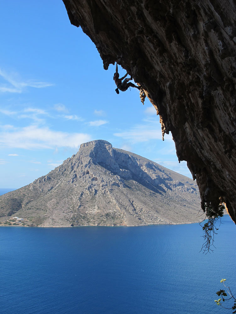 Emma Twyford on her successful onsight of Aegialis (F7c), Kalymnos, 146 kb