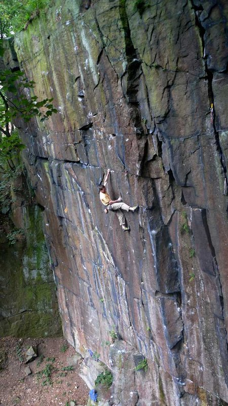 Mat Troilett on his desperate Fascination Street E7 6c., 107 kb