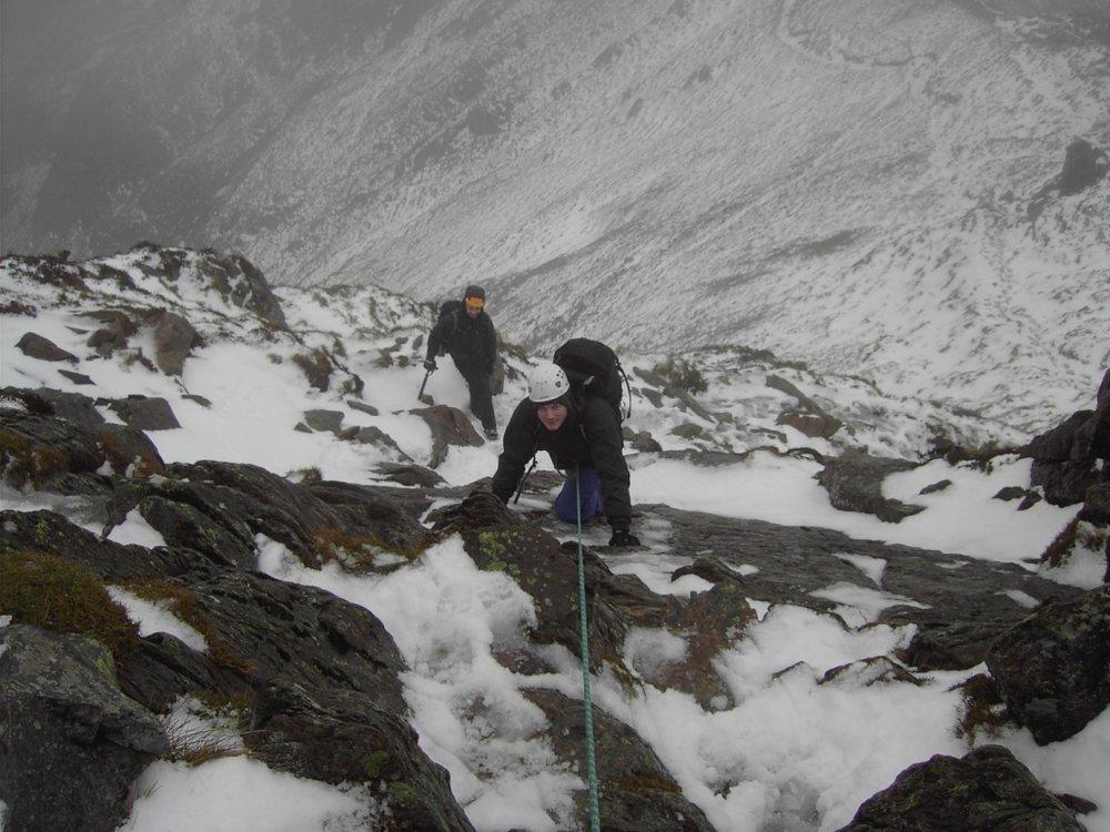 The difficult step near Craig yr Ysfa on the ridge from Carnedd Llewellyn to Bwlch Cwm Ffynon, 137 kb