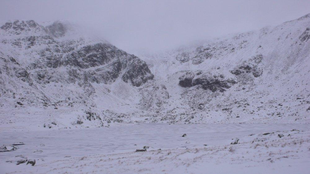 Cwm Lloer in winter, the Pen yr Ole Wen Carnedd Dafydd walk circumnavigates this cwm, 88 kb