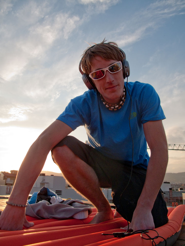 James relaxing on a Barcelona Rooftop, 128 kb