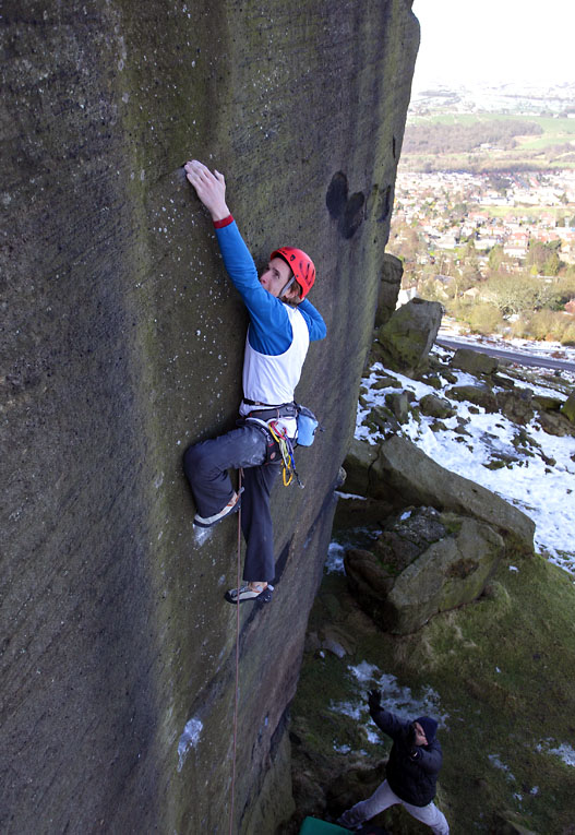This last great problem had been tried by many climbers before Ryan Pasquill nipped in for the FA., 133 kb
