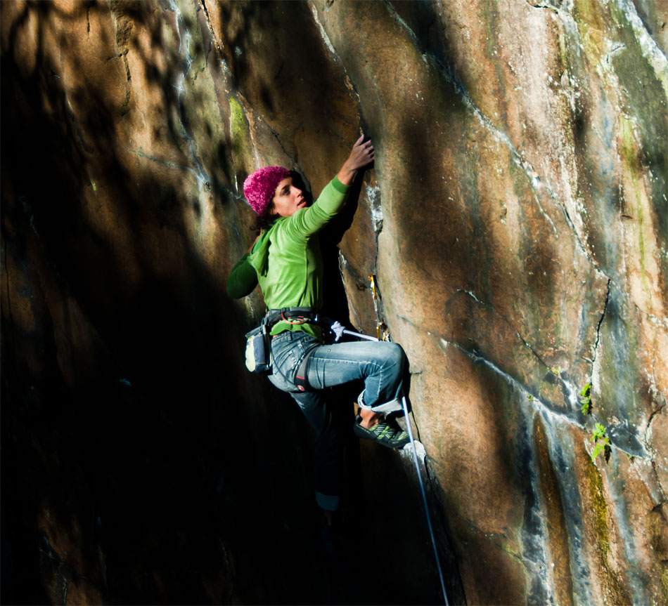 Naomi Buys on Con Dem Nation E6 6b at The Roost, 173 kb