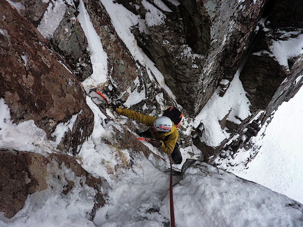 Beefy gloves for seconding keep hands warm for the next lead. East face direct direct., 229 kb