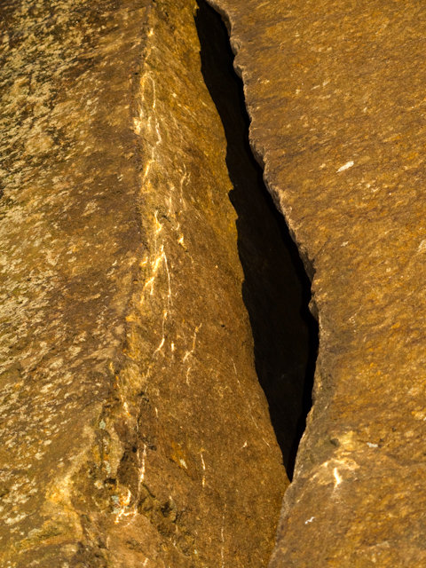 Dry tooling scratches at Millstone, 147 kb