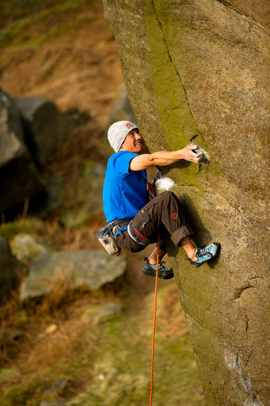David Lama making shapes on the super-technical Messiah (E6 6c) Burbage South, 146 kb