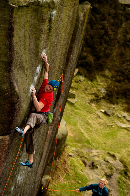 Cedric Lachat on the desperately bouldery Samson (E6 7a), Burbage South, 161 kb