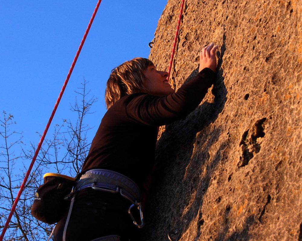 Climbing in la Siurana, 230 kb