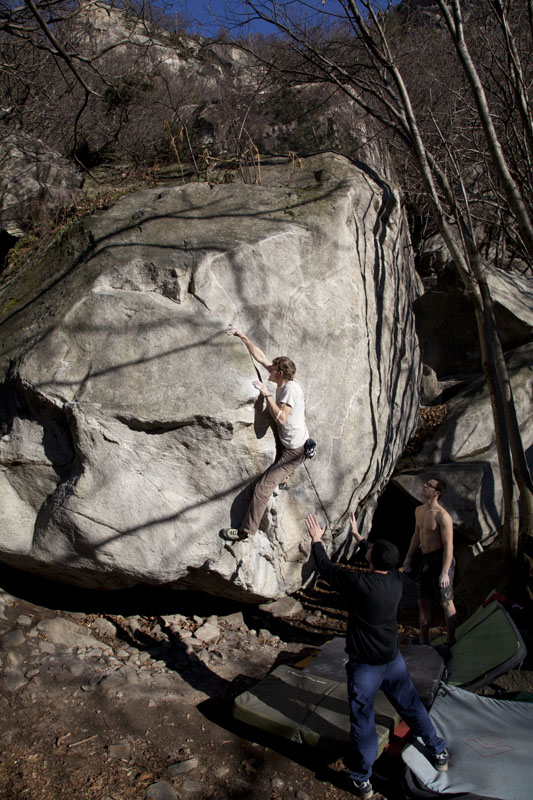 A classic Cresciano arete problem - Arcadia - at one of the first areas you come to - (7c), 150 kb