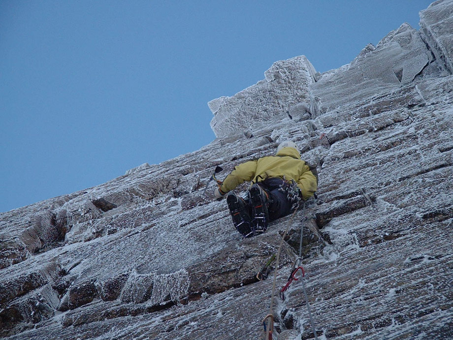 Steve Ashworth making the first winter ascent of Snickersnack - Gable Crag, 220 kb