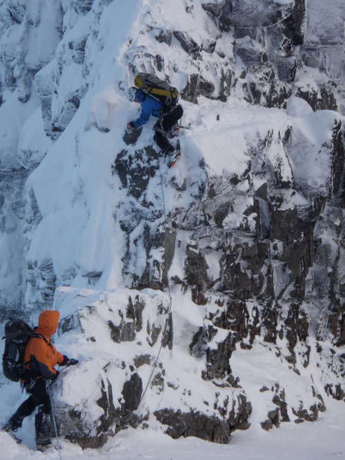 Mixed steps on the Cullin traverse, 126 kb