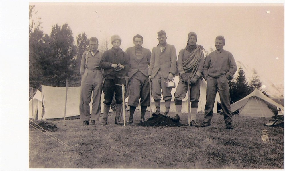 1934, camp, Kingshouse Glencoe, L to R, query, query, J Leslie, J Crofton, query, John Kendall, 104 kb