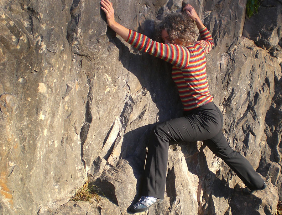 Checking out the stretchiness on warm winter rock, 195 kb