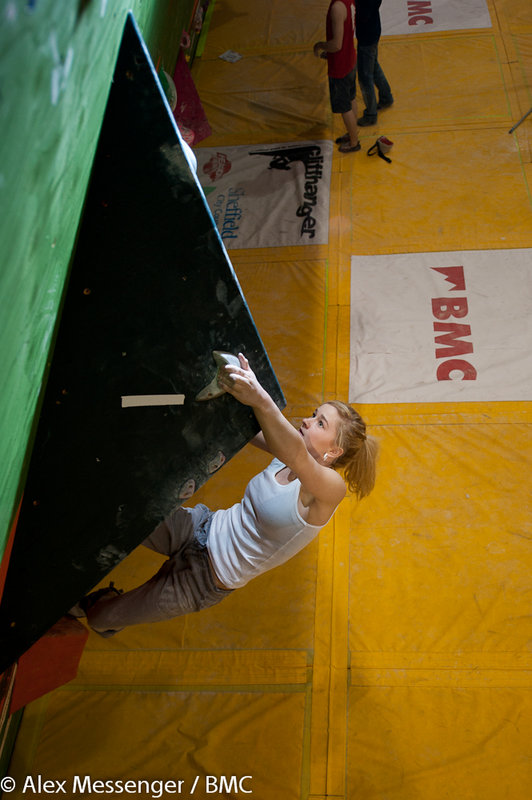 Shauna Coxsey climbing to victory in the female Senior category - BBC's 2011, 100 kb