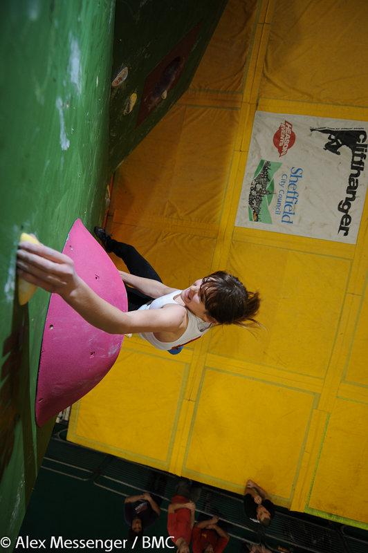 Tara Hayes competing at the Cliffhanger bouldering comp, 98 kb