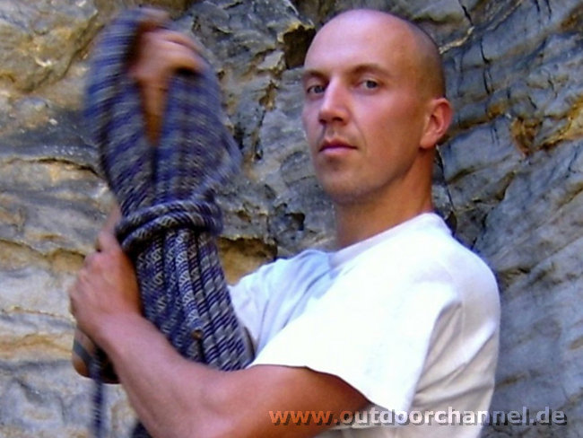 Andreas Proft - barefoot solo climber from Saxony, 92 kb