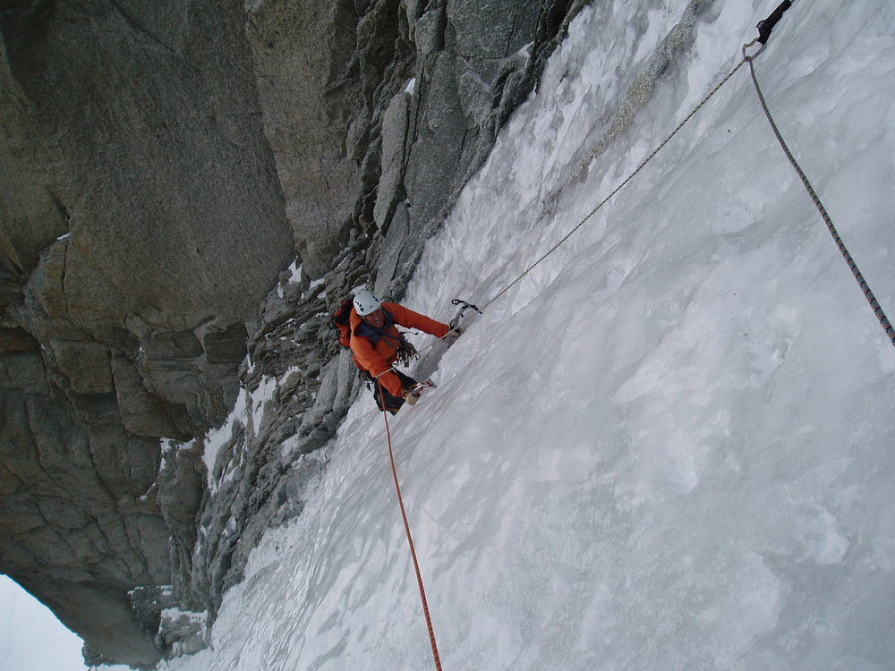Dave Green on the perfect ice of the Supercouloir, 150 kb