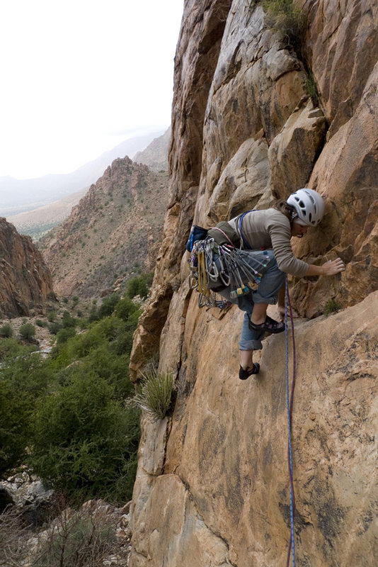 Sarah Burmester heading in to the unknown on 'Crag K' - a four pitch desert version of Gogarth's main cliff, 141 kb