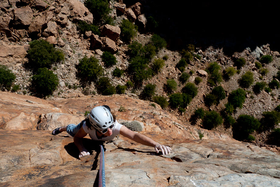 Sarah Burmester following on perfect quartzite - a new route on Crag K., 200 kb