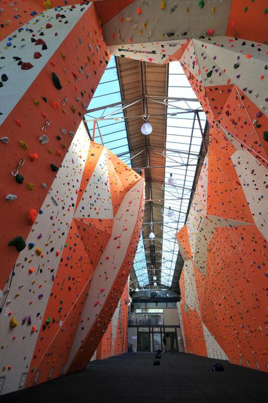 The impressive main hall at RCC, 165 kb