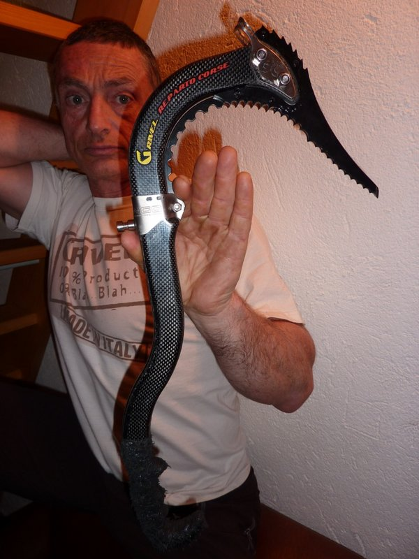 Stevie Haston with a brand new, very lightweight, super-axe from Grivel, 84 kb