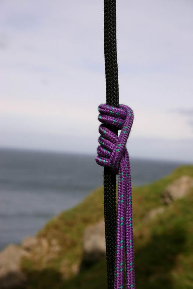 Self Rescue for Climbers - Prusiking up a rope, 56 kb