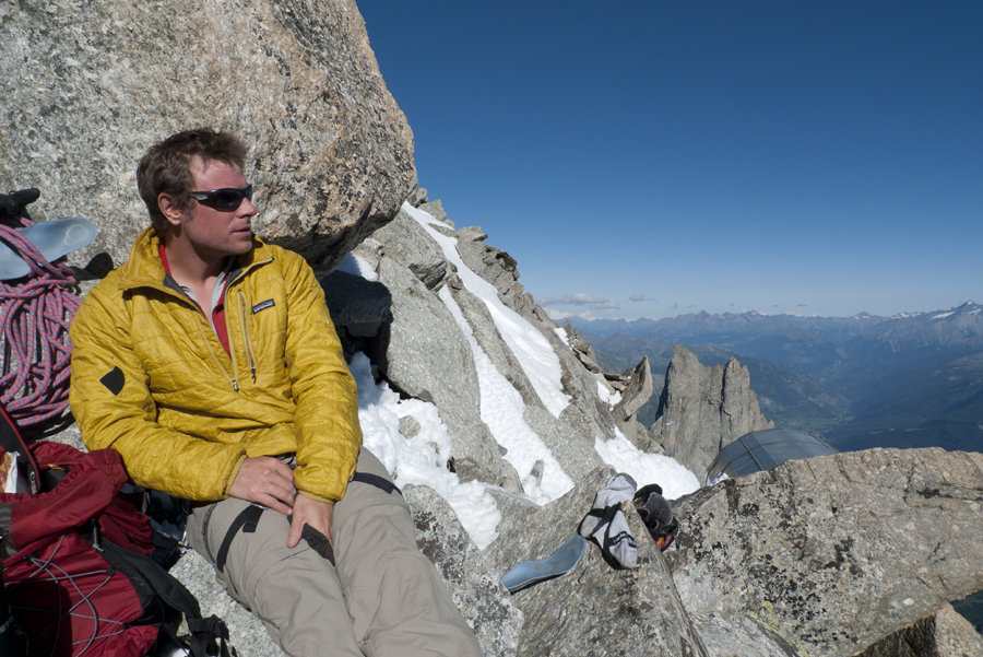 Relaxing outside the Eccles Hut before setting off for the Freney Pillar (Nano Puff), 165 kb