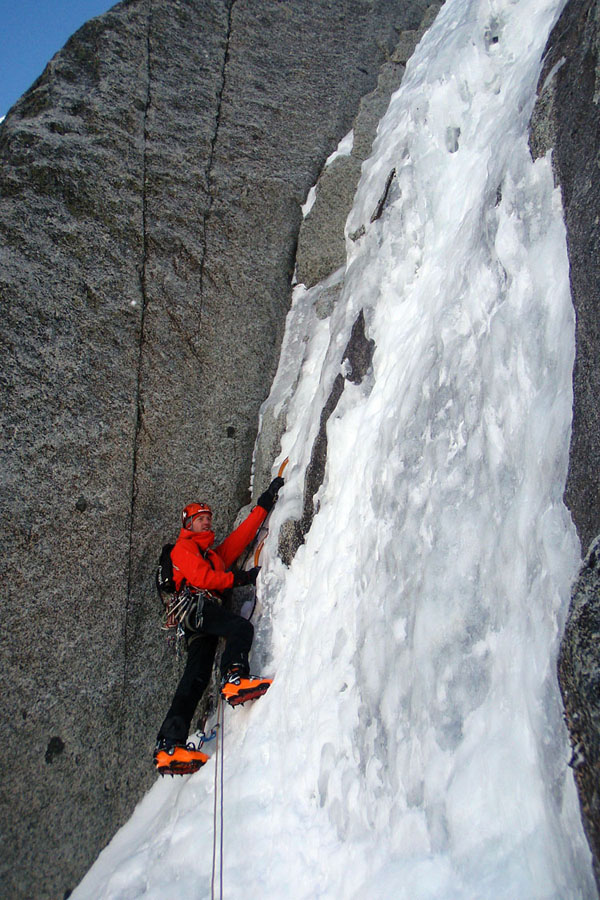 Jack Geldard climbing the crux of the Frendo-Ravanel, Argentiere Glacier, 173 kb