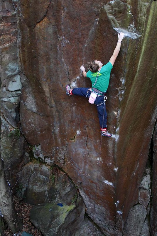 James Pearson on first ascent of The Return of the Jedi (HXS 7a) Matlock Bank Quarry, 118 kb