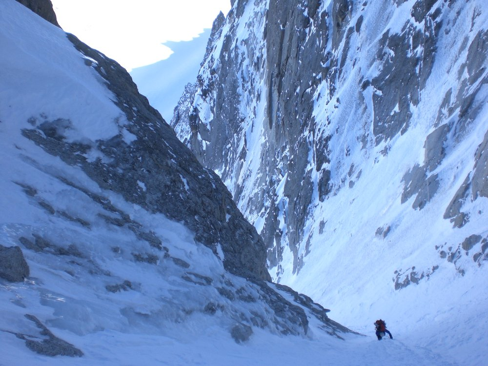 Climbing the large Lagarde Couloir on the NE face of the Droites, 180 kb