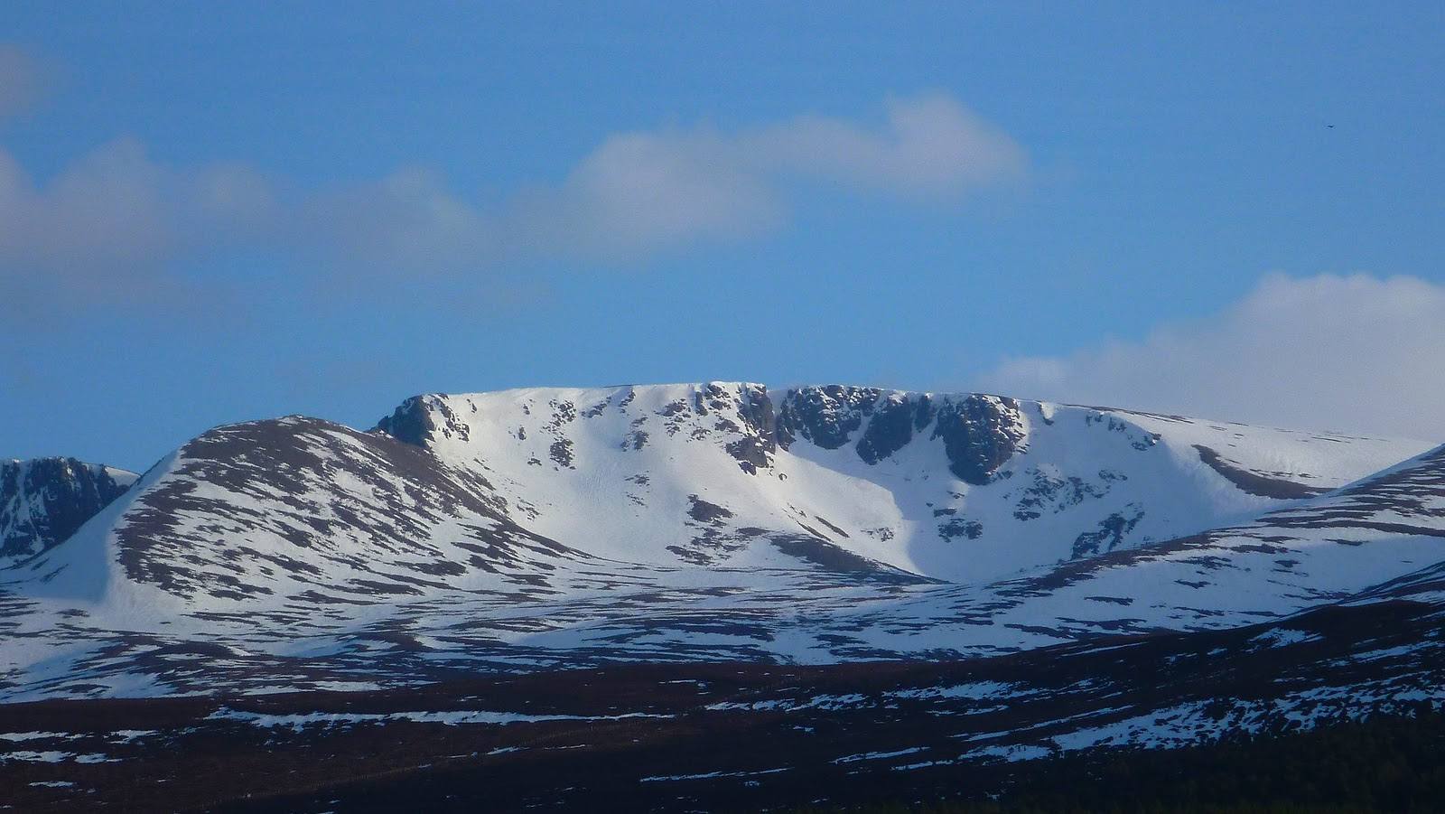 Lochain in the Cairngorms Northern Corries, 244 kb