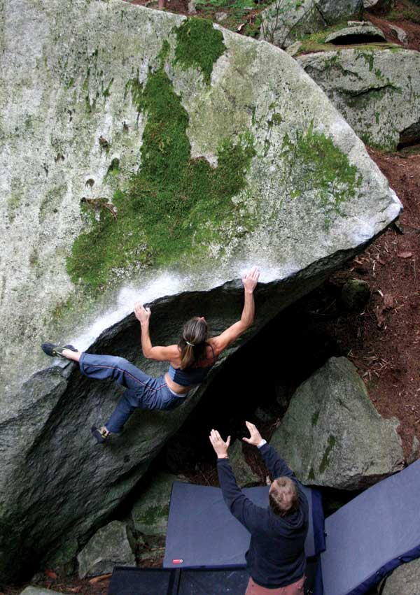 The slopey lip traverse ATD (V7), Grand Wall boulders., 83 kb