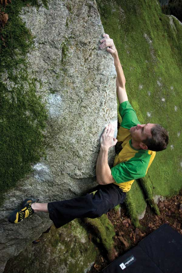 Bouldering on Permanent Brain Damage (V3) in the North Walls of the Chief., 91 kb