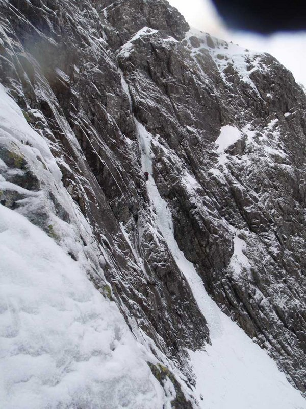 Climbers in Point 5, Ben Nevis, 136 kb