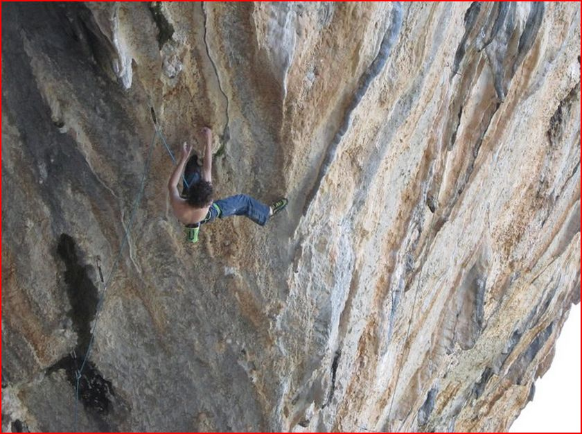 Adam Ondra on Chilam balam, 9?, 119 kb