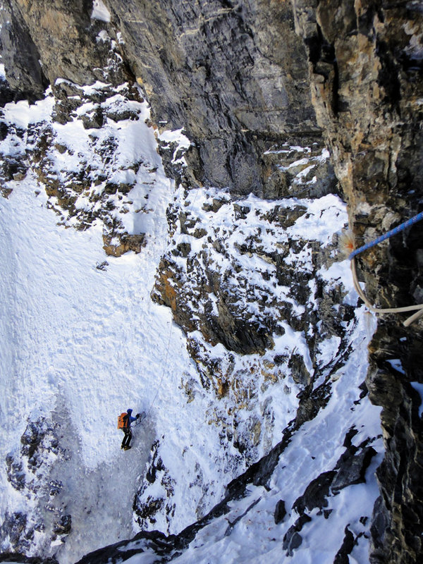 Jack Geldard gaining the Brittle Ledges, Eiger North Face, 208 kb