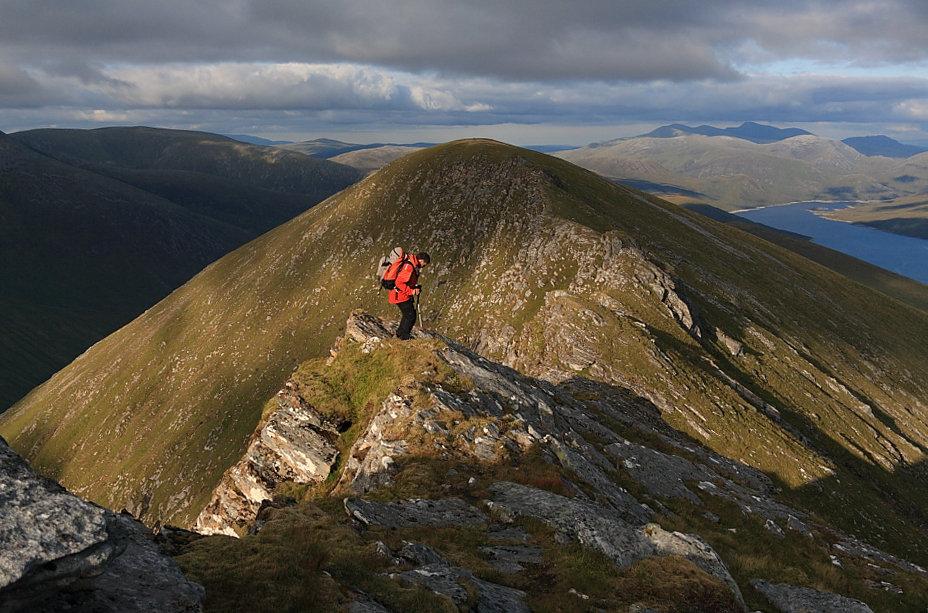 Heading east on the Lurg Mhor ridge, 167 kb