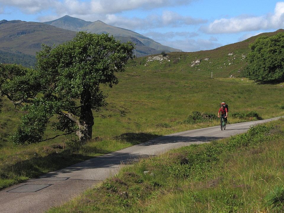 By bike in Glen Strathfarrar, 204 kb