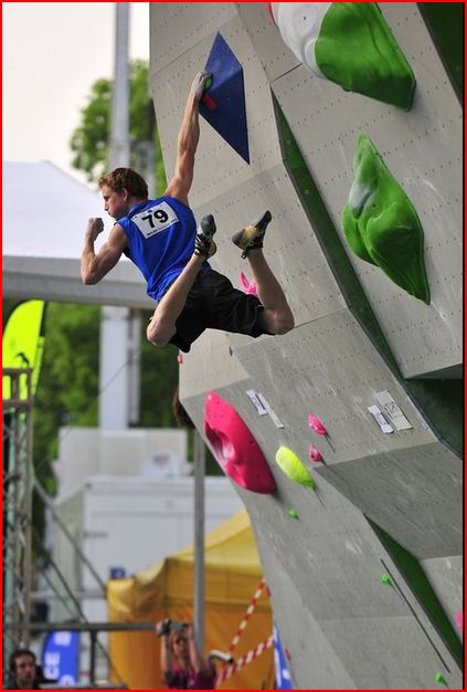 Jakob Schubert at the Milan boulder WC, 51 kb