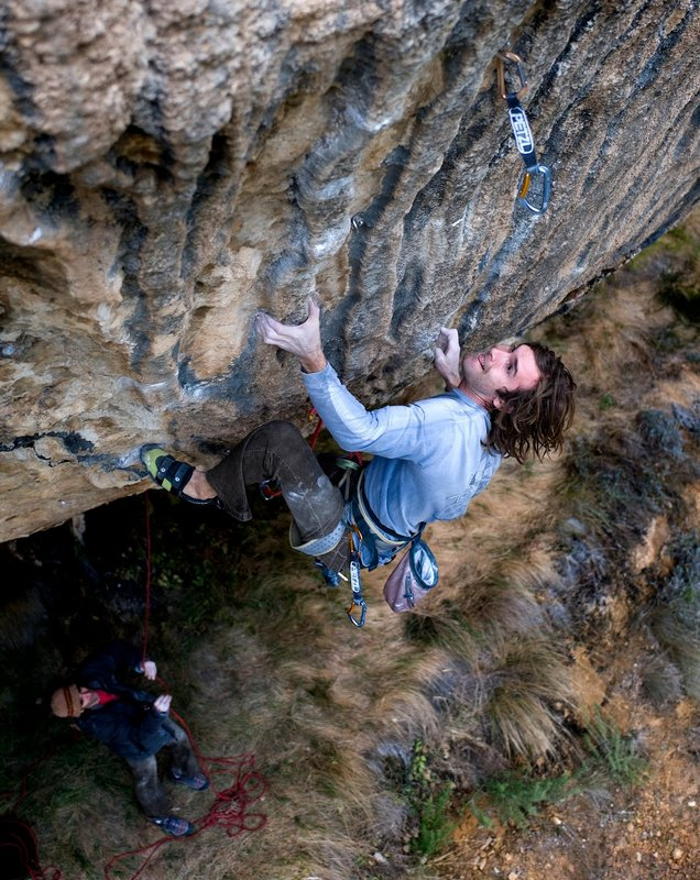 Chris Sharma on First round, first minute, 142 kb