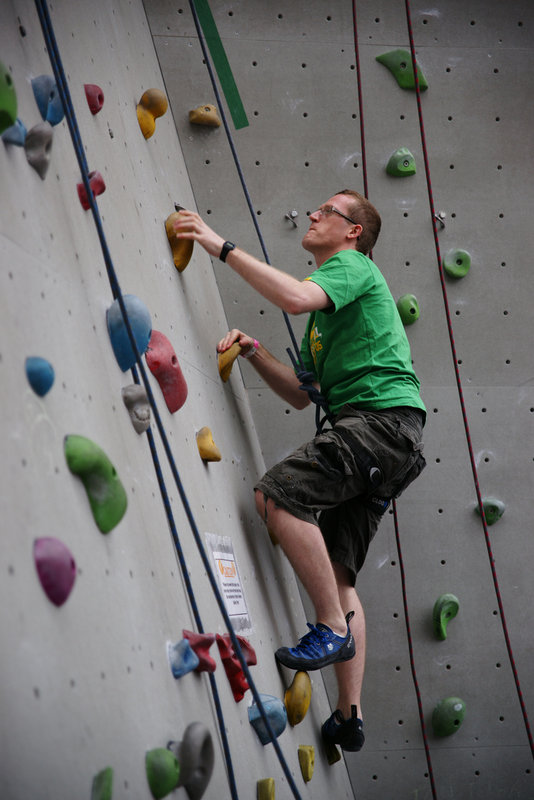 Climbing on top rope gives a good opportunity to work on skills and foot placements, 81 kb