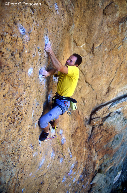 Albert Cortés on Lo dejé to blanco (F7a) - Siuranella East, 168 kb