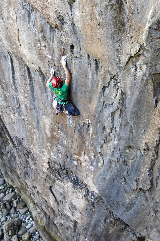 James Pearson attempting to flash Muy Caliente! E10, 158 kb