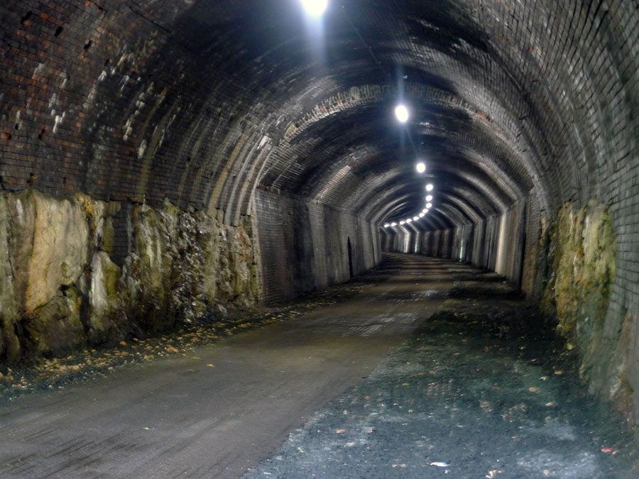 The Chee Tor tunnel, 133 kb