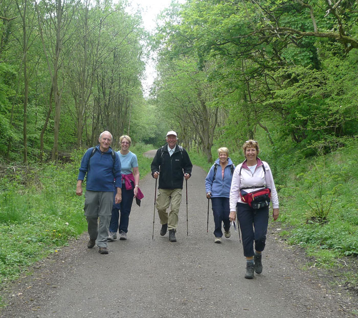 Walkers enjoying the Monsal Trail, 161 kb