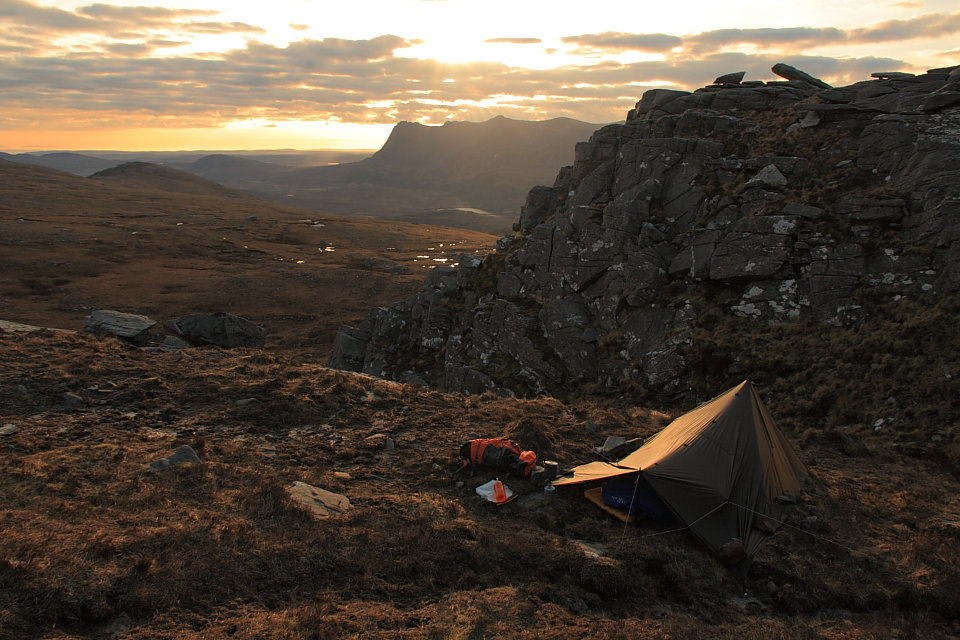 Sunrise behind Ben Loyal, 143 kb