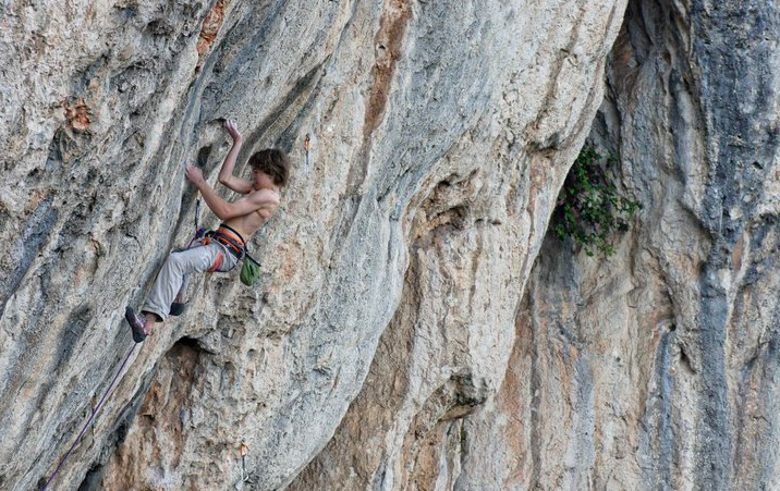 Enzo oddo on Aubade direct, 9a+, 179 kb