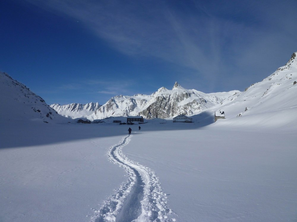 You really cant beat a stunning day in the mountains on snowshoes, 76 kb