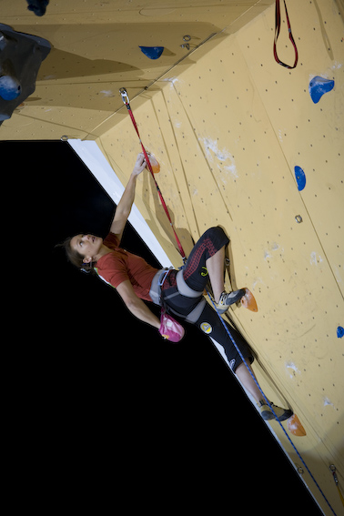 Caroline Ciavaldini in action on the World Cup competition circuit, 100 kb